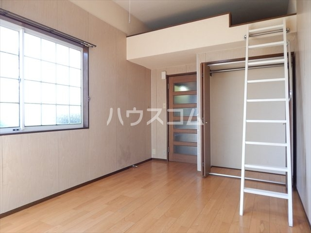 サンシャトー姫宮 108号室のベッドルーム