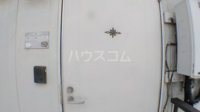 コーポリカ 201号室の玄関