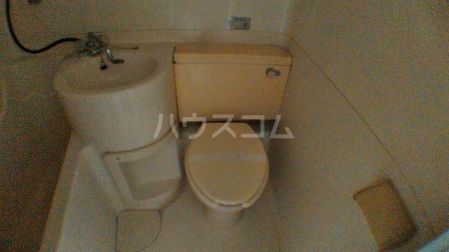 コーポリカ 201号室のトイレ