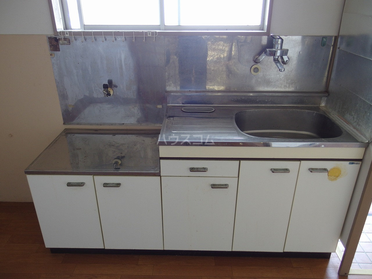 英進ハイツ 107号室のキッチン
