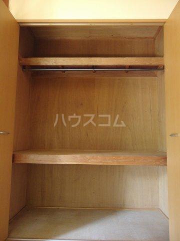 英進ハイツ 107号室の収納