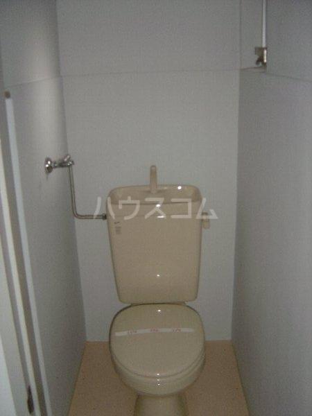 柏原農住団地S棟 3D号室のトイレ
