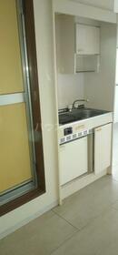 ユニバーサル守山口 201号室のキッチン