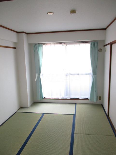 サンシャイン鳥居松 401号室のベッドルーム