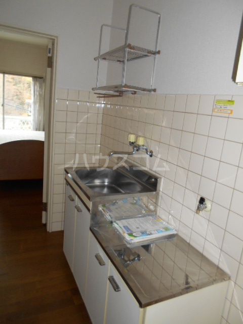 ラ・フォーレ 101号室のキッチン