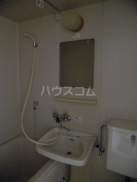 メゾンドールミタカ 211号室の洗面所