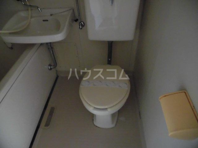 メゾンドールミタカ 211号室のトイレ