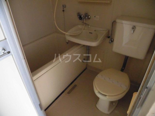 メゾンドールミタカ 211号室の風呂