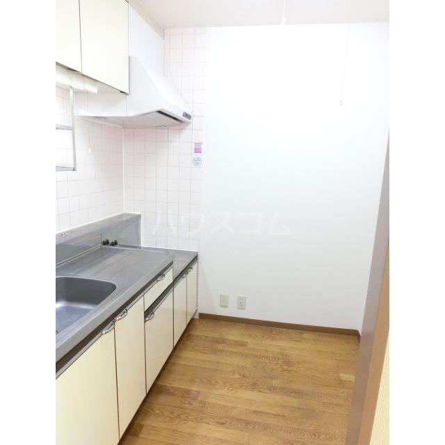 サウスフラット 103号室のキッチン