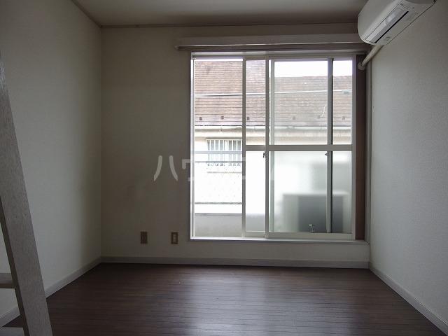 コーポ青木第2 201号室の居室