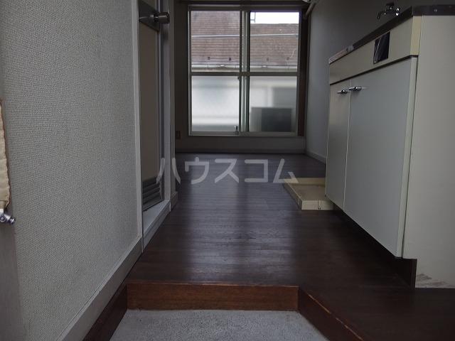 コーポ青木第2 201号室の玄関
