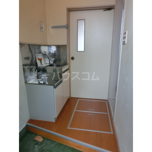 ハイムキタウラ 202号室の玄関