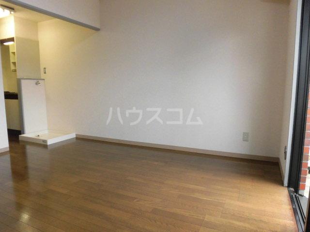 横川田口ビル 206号室の居室