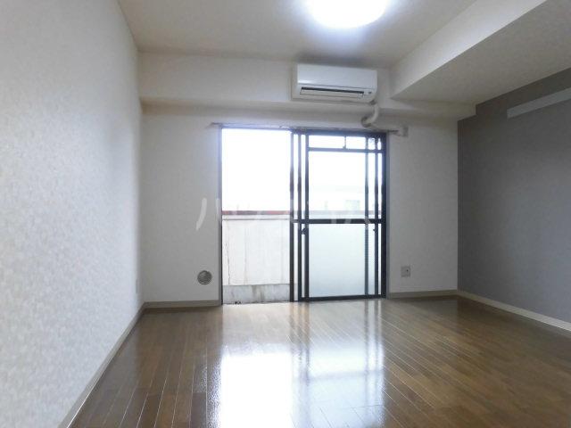横川田口ビル 206号室のリビング