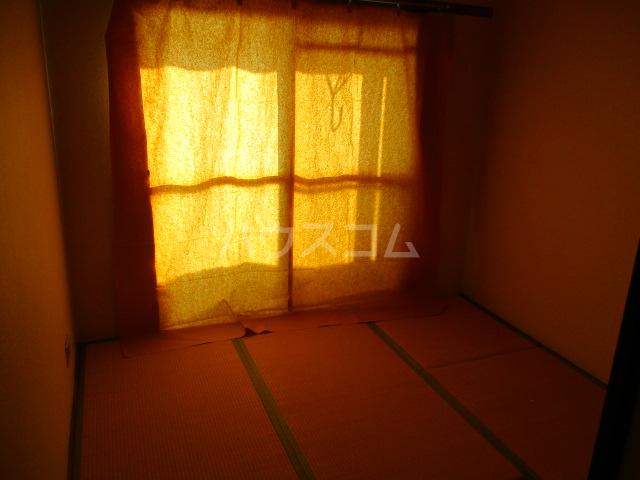 コーポ比叡 201号室のベッドルーム