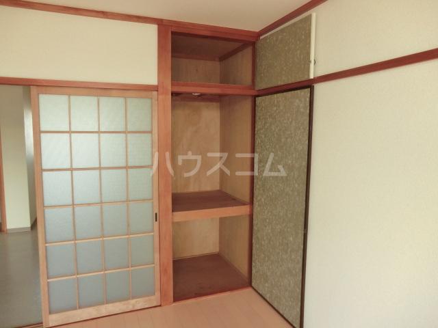中澤ビル 102号室のベッドルーム