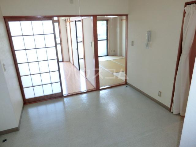 中澤ビル 102号室の居室