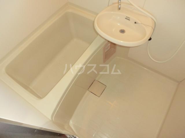 中澤ビル 102号室の風呂
