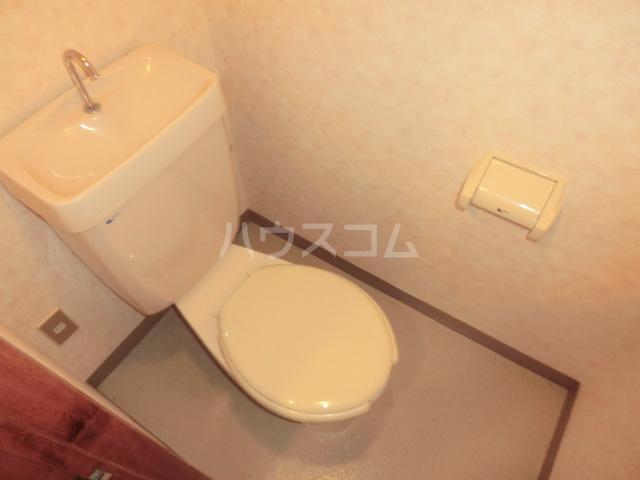 中澤ビル 102号室のトイレ