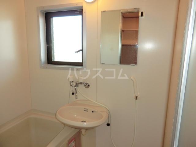 中澤ビル 102号室の洗面所