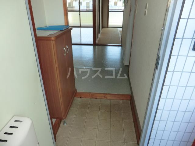 中澤ビル 102号室の玄関