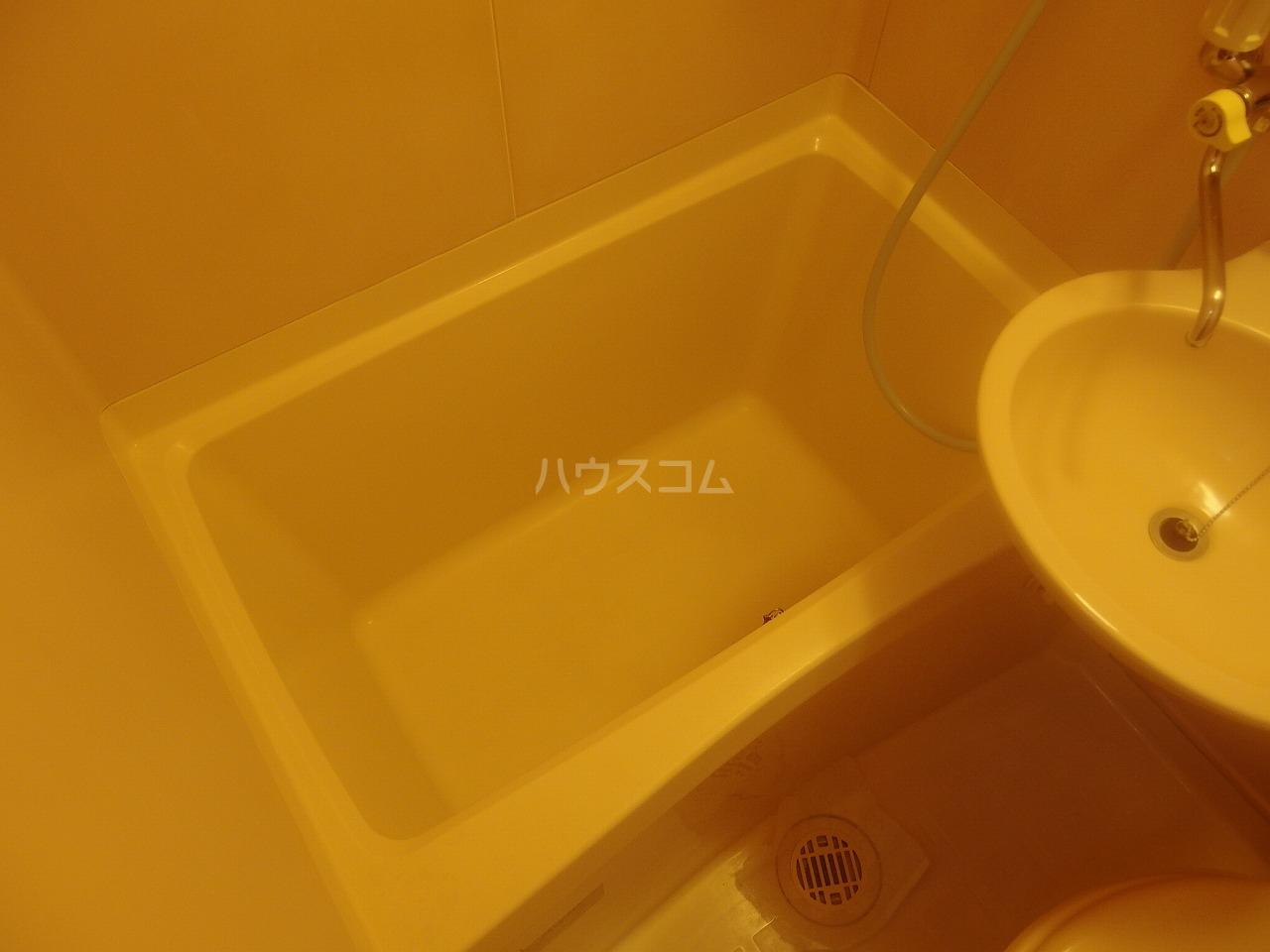 コートニュータウン 105号室の風呂