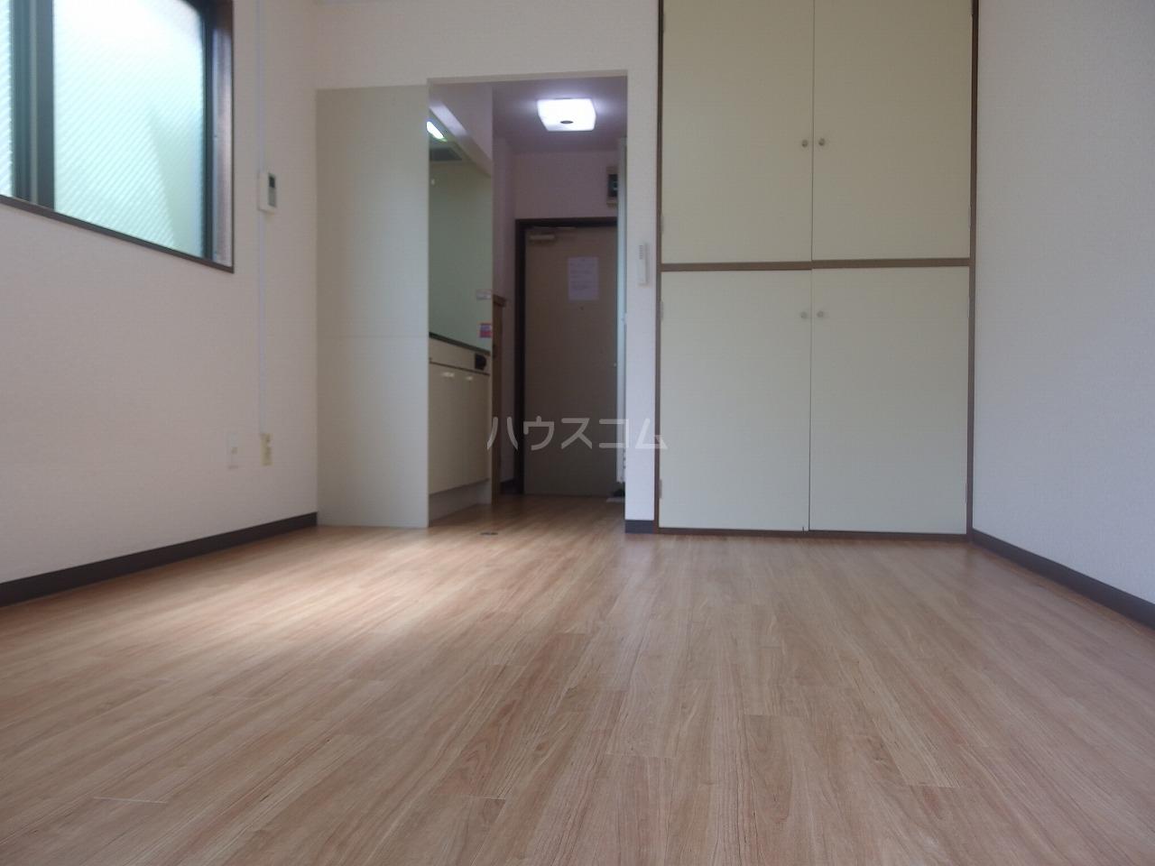 コートニュータウン 105号室のリビング