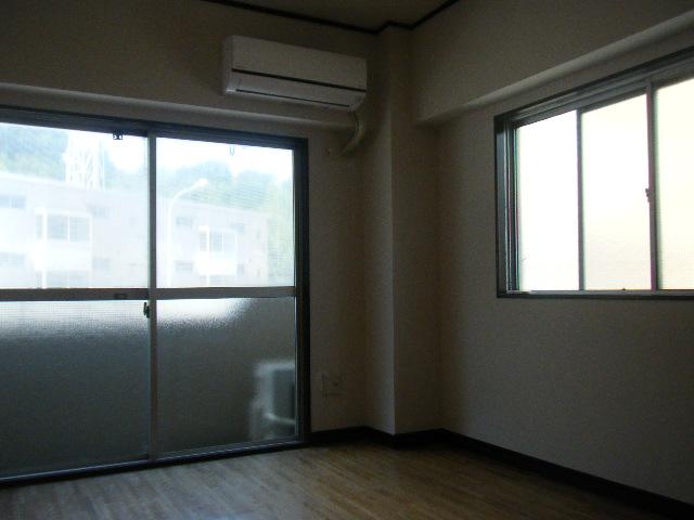 坂下マンション 301号室のリビング