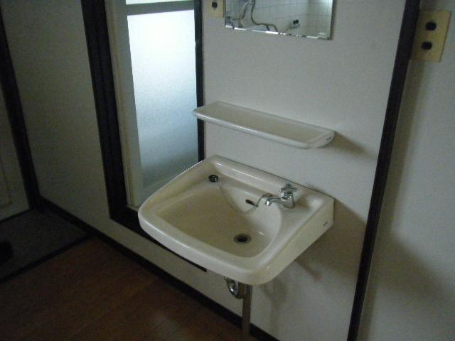 坂下マンション 301号室の洗面所