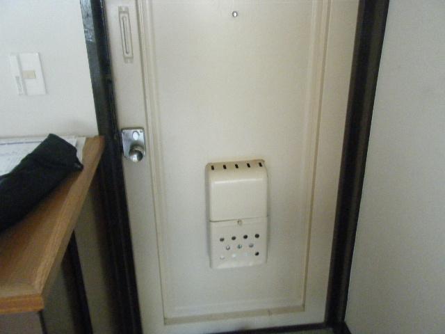 坂下マンション 301号室の玄関
