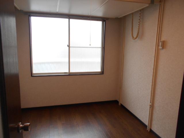 サンライズ桜ヶ丘 102号室の居室