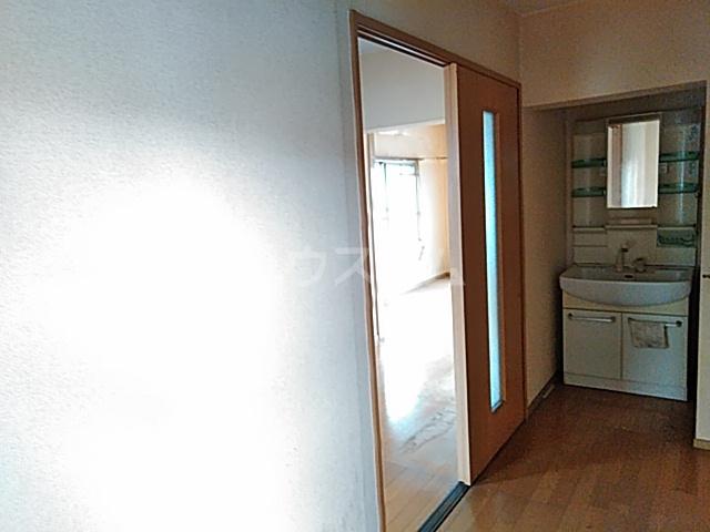 サンハイツしのぎ 201号室の玄関