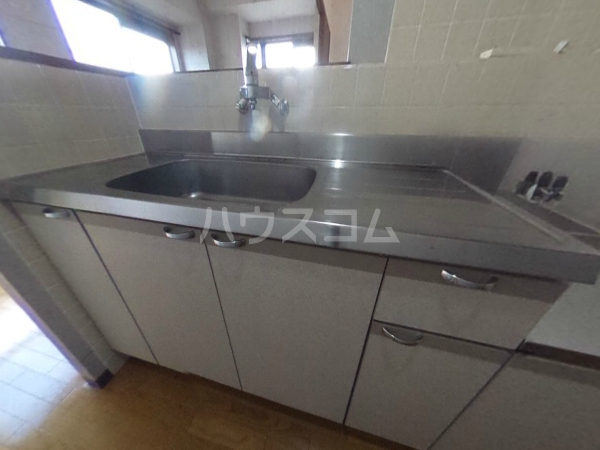 グレースハイツ岩崎 1FD号室のキッチン