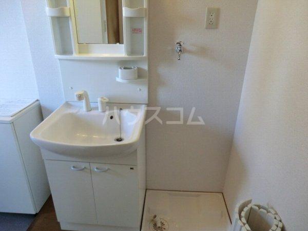 プリミエール大和通 201号室の洗面所