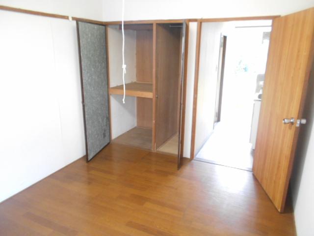 走井ハイツ 202号室の居室
