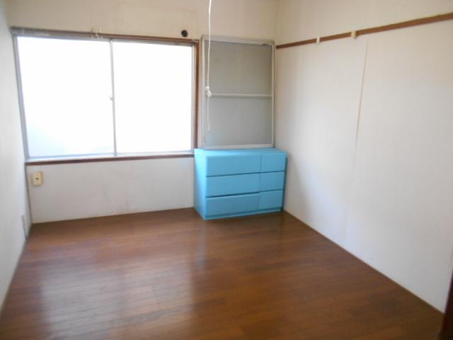 走井ハイツ 202号室のリビング