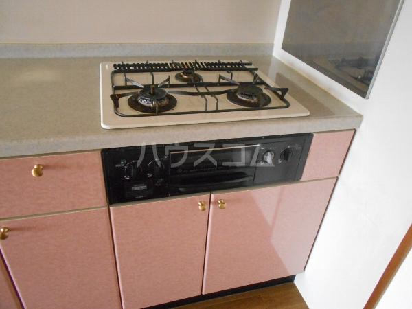 シャルマン 門弟山 202号室のキッチン