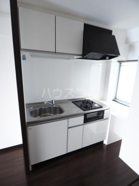 イナダマンション 504号室のキッチン
