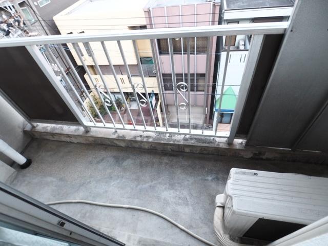 イナダマンション 504号室のバルコニー