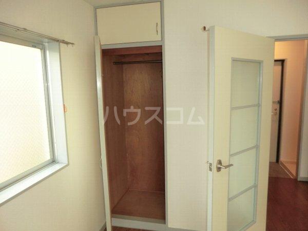 ファインアート上流 205号室の収納