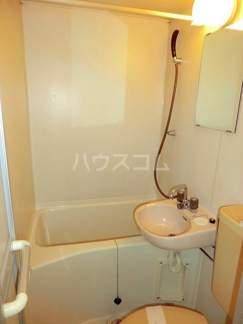 ファインアート上流 205号室の風呂
