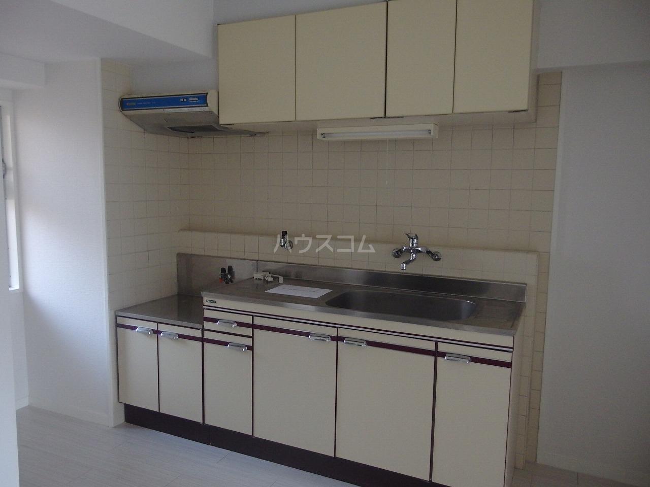シャトルブラウンA 206号室のキッチン