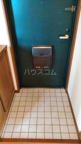 メゾンメルベーユ 201号室の玄関