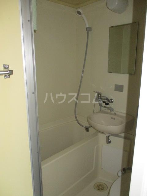 クレープマートル 303号室の風呂