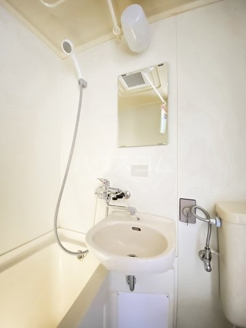 クレープマートル 303号室のトイレ