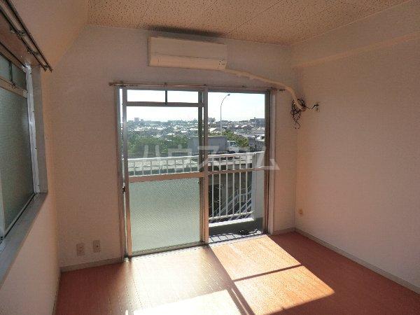 マンション横井 501号室のリビング