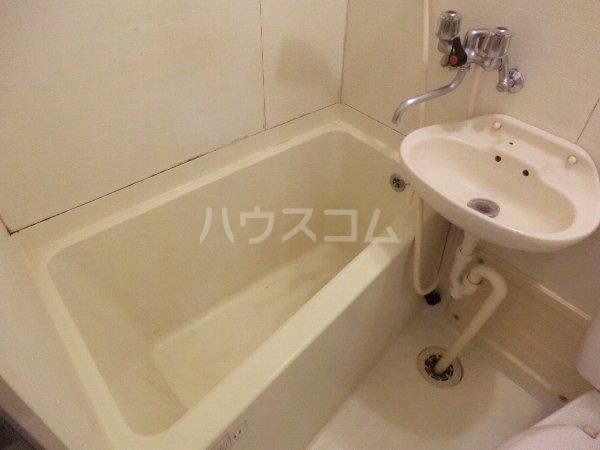 マンション横井 501号室の風呂