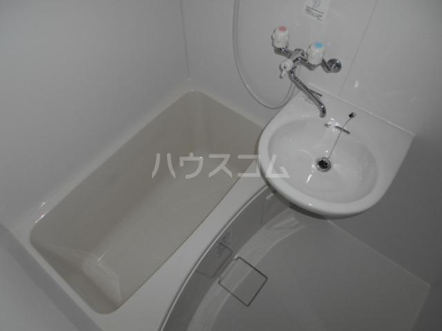 ラ・フォーレ 202号室の風呂