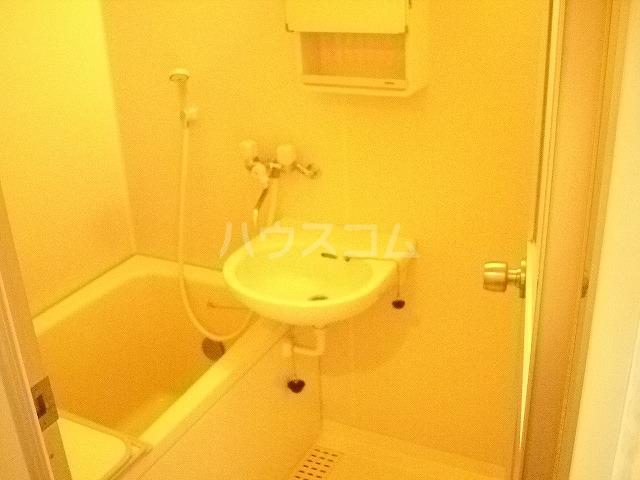 KHハイツⅡ 203号室の洗面所