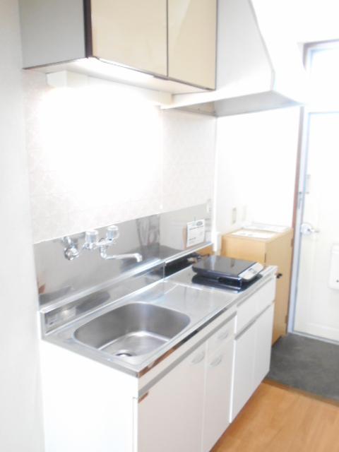 スカイハイム伊藤 102号室のキッチン
